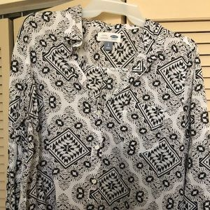 Old Navy Black & White Pattern Button Down Shirt